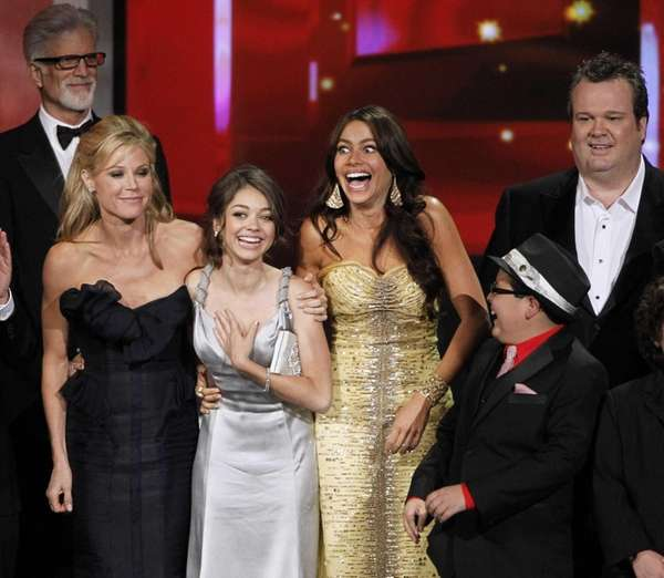 "Sofia Vergara with the cast of ""Modern Family"""