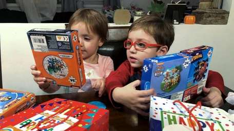 FDR, 4, opens birthday presents with the help