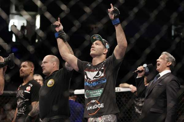 Baldwin's Chris Weidman celebrates his second-round TKO of