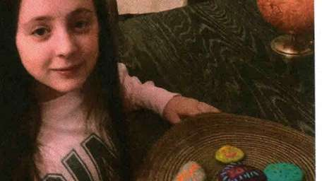 "Kidsday reporter Lauren McCarthy: Kindness rocks ""make a"