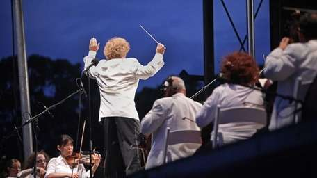 The Long Island Philharmonic played their annual summer