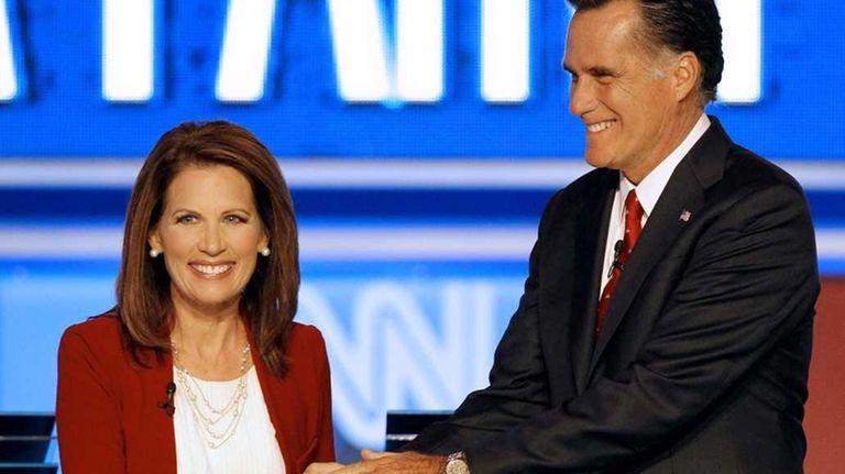 Republican presidential candidates Rep. Michele Bachmann, (R-Minn.), greets