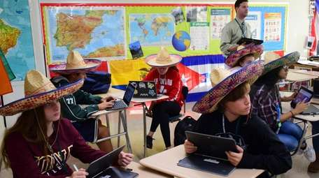 Freshmen in Robert Maloney's Spanish class at Seaford