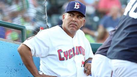 Former Mets second baseman Edgardo Alfonzo while managing