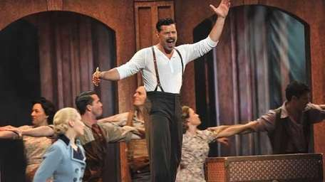 Elena Roger and Ricky Martin perform from