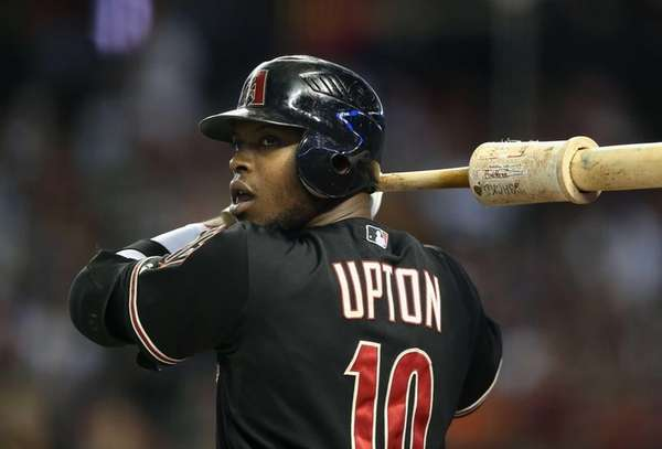 Justin Upton of the Arizona Diamondbacks warms up