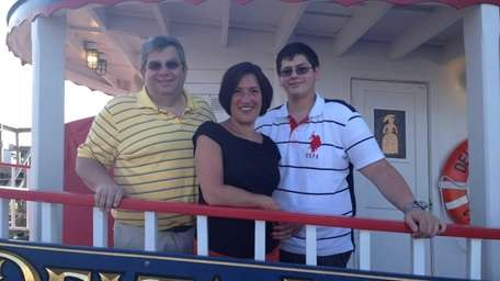 Hicksville's Magro family gets ready to set sail