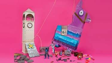 This 100-piece pinata includes Frozen Raven and Ice