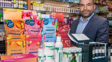 Ian Parker is CEO of Pura Vida Vitamins,