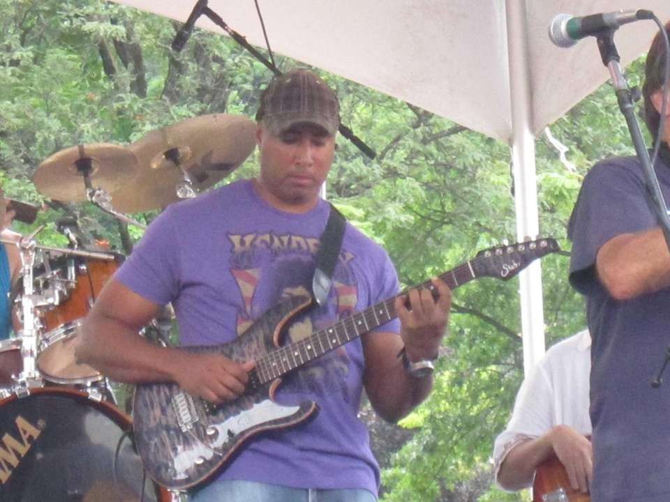 Bernie Williams joins Richie Cannata's band for several