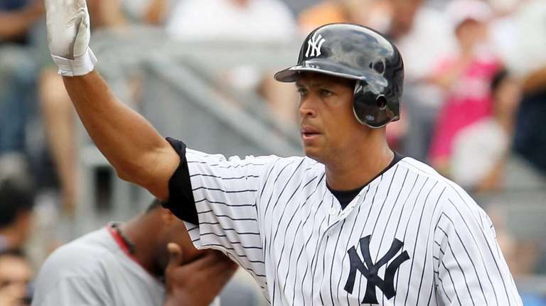 Alex Rodriguez scores a run in the sixth