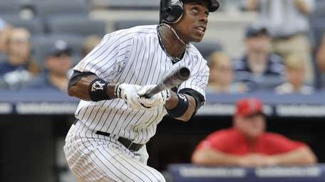 Curtis Granderson homers in the 6th inning. (July