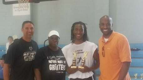 The seventh annual youth basketball league Roundball Classic