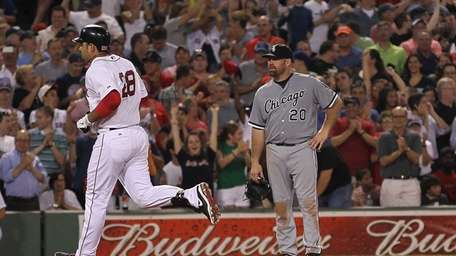 Kevin Youkilis #20 of the Chicago White Sox