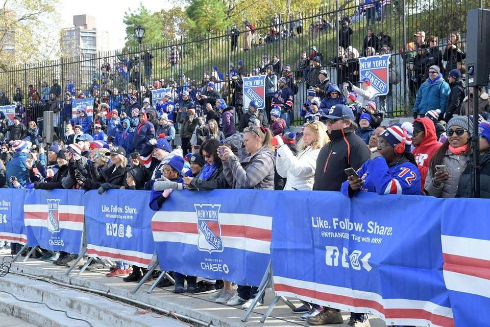 NY Rangers fans watching the Rangers at open