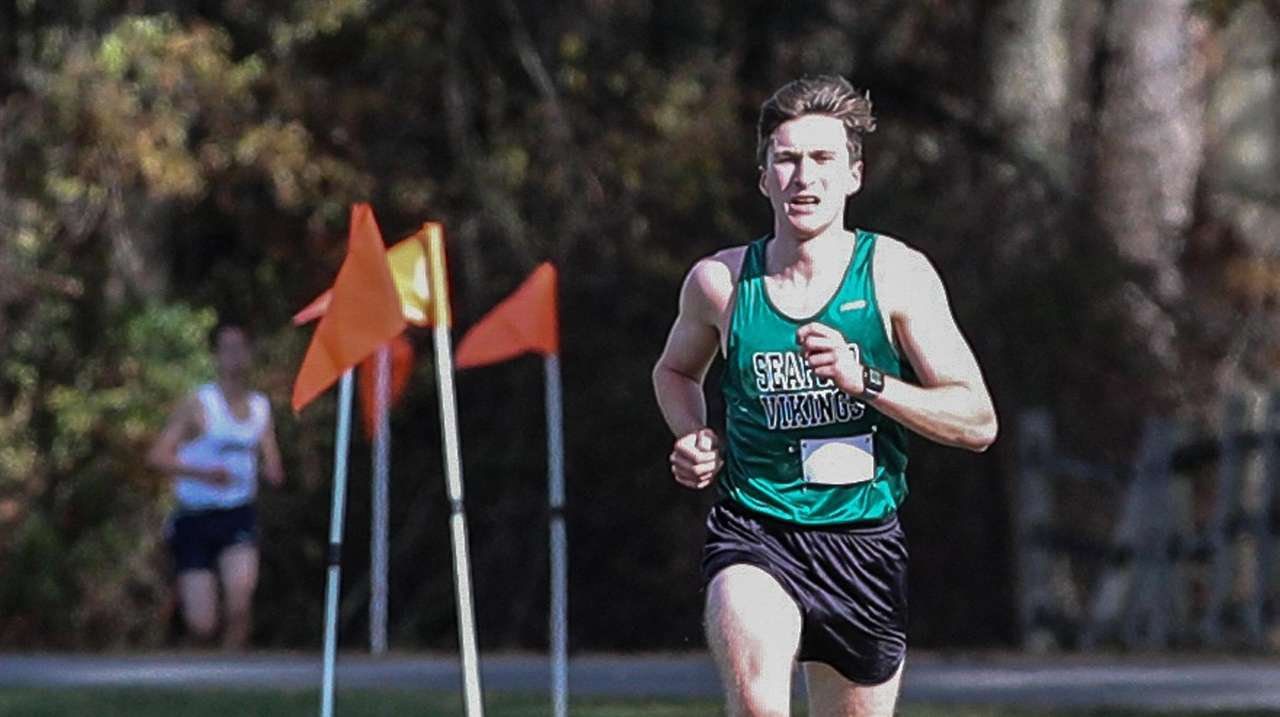 Seaford's Jason Linzer discusses nearly breaking 16-minutes in
