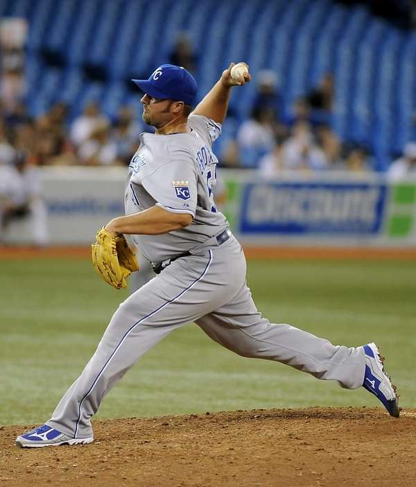 Jonathan Broxton of the Kansas City Royals delivers