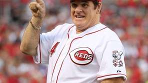 Pete Rose takes part in a ceremony celebrating