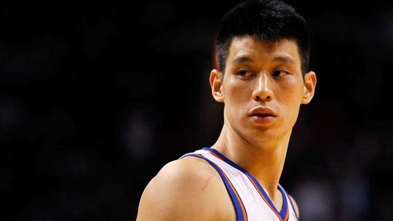 Jeremy Lin of the New York Knicks looks