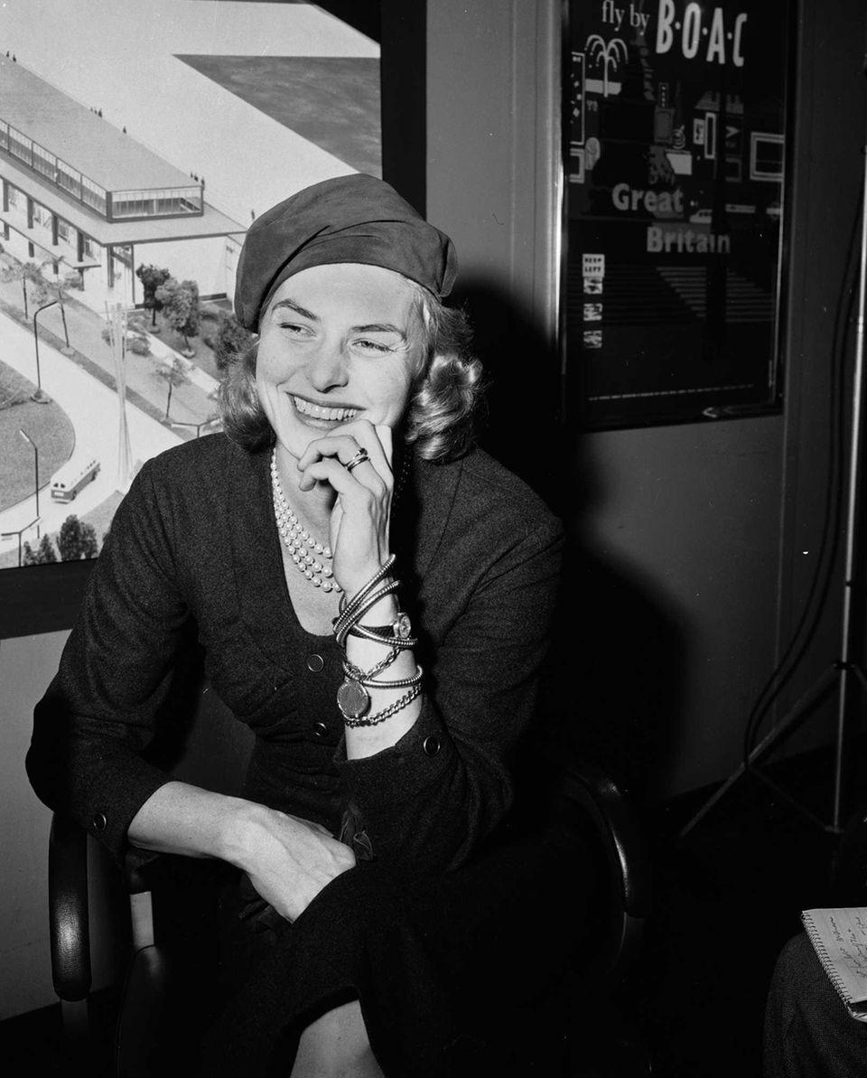 Actor Ingrid Bergman, at a news conference at
