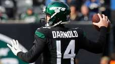 Sam Darnold of the Jets throws a pass