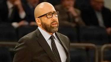 Knicks head coach David Fizdale on the sidelines