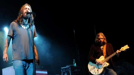 The Black Crowes perform at the 2009 BamaJam