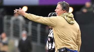 Giants head coach Pat Shurmur's future beyond the
