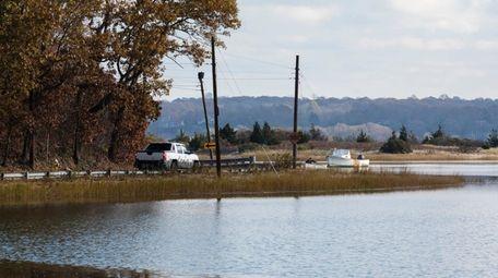 Smithtown officials plan to raise 1,500 feet of