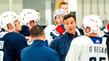 Rangers coach David Quinn speaks during a training