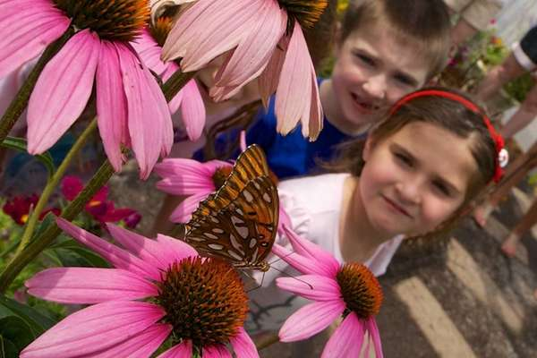 Six-year-old twins Kylie and Brett Drakos, of Huntington,