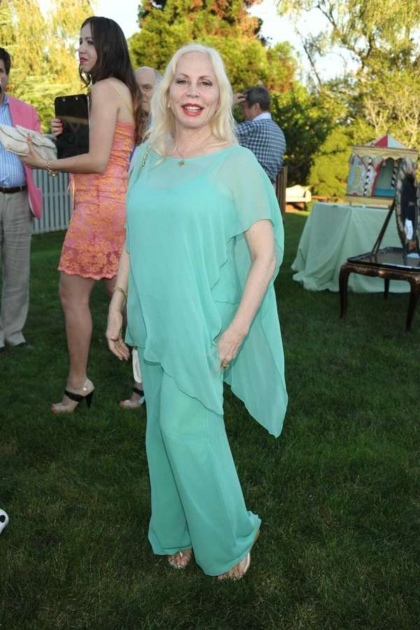 Liz Derringer attends the Unconditional Love benefit for