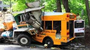 A school bus driver died and 6 others