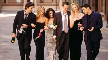 """Friends"" cast members David Schwimmer, left, Jennifer Aniston,"
