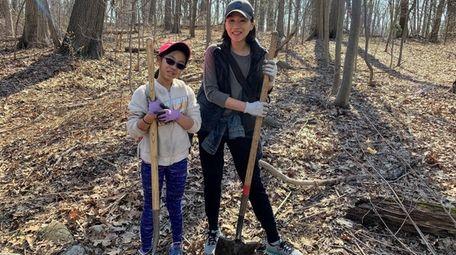 Kidsday reporter Megan Ro and her mom, Marissa