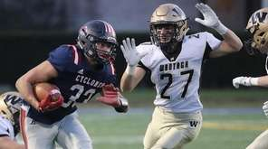 South Side's Nick LiCalzi evades Wantagh tacklers in