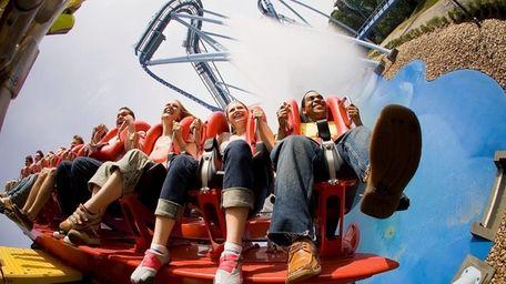Griffon, the world's tallest, floorless dive coaster carries