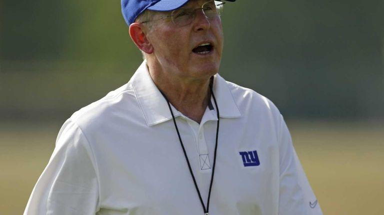 Giants head coach Tom Coughlin yells on the