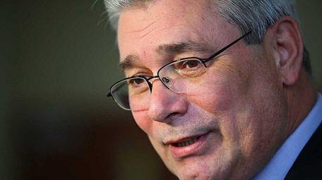 CSEA president Jerry Laricchiuta speaks about Nassau bonding
