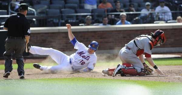 Rob Johnson scores on David Wright's eighth inning