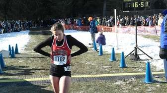 Sarah Connelly of Mt. Sinai (1182) runs in