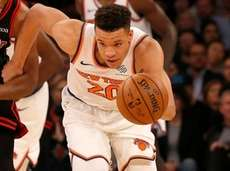 Kevin Knox II of the Knicks steals the