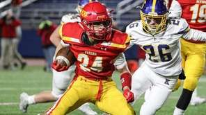 Chaminade's Mario Fischetti Jr. cuts in front of