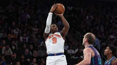 Knicks guard RJ Barrett puts up a shot