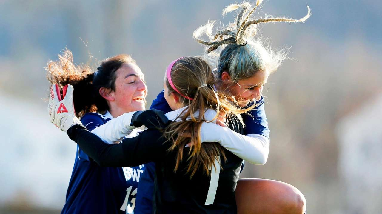 SWR girls win state soccer title for first time