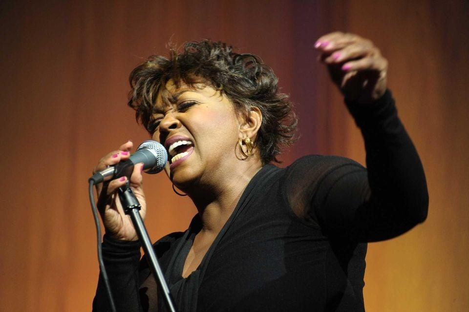 Anita Baker performs at Russell Simmons Rush Philanthropic