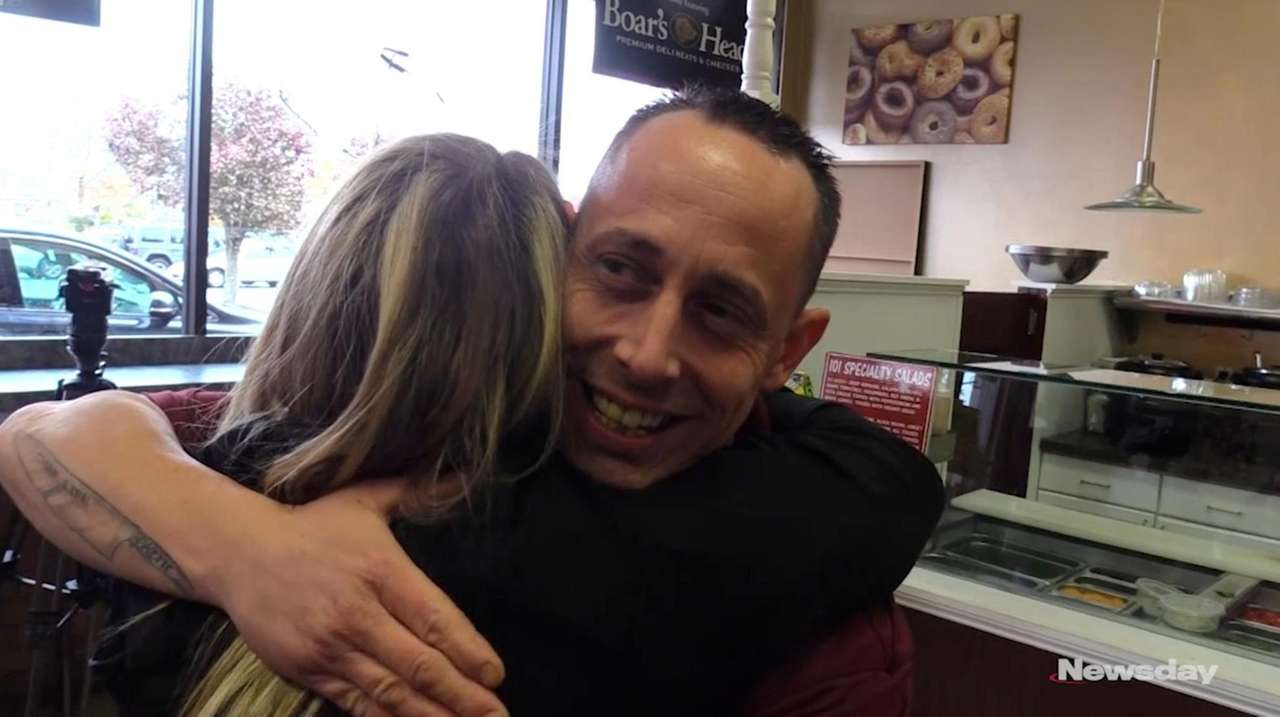 Vincent Proscia, a bagel store manager in Middle