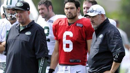New York Jets coach Rex Ryan, left, quarterback