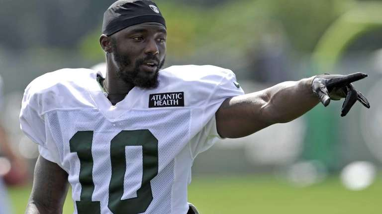 New York Jets wide receiver Santonio Holmes gestures