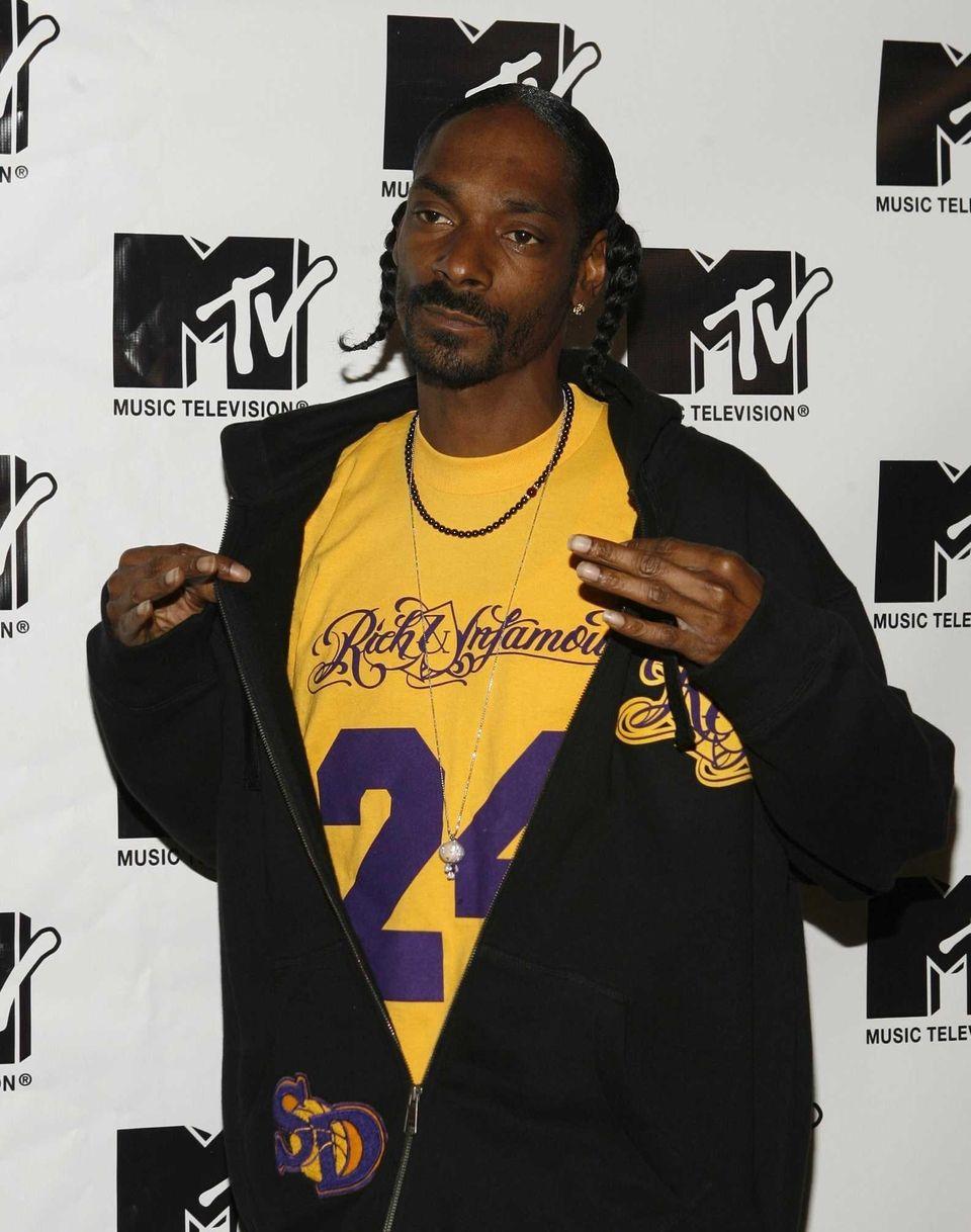 Snoop Doggin the press room during MTV's ?TRL